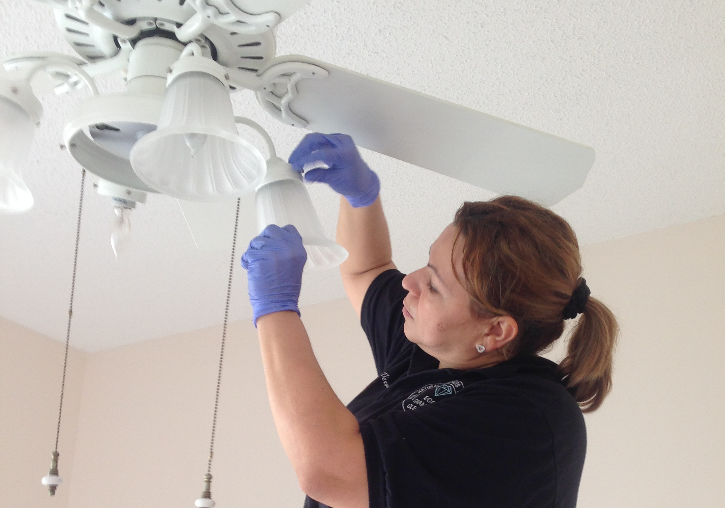 Best Methods For Cleaning Lighting Fixtures: Eco Diamond Cleaning Services